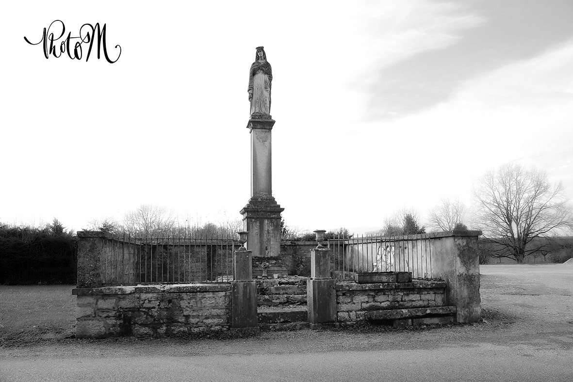 Photographe professionnel de monuments, statues, œuvres d'arts, Photos M. Département de l'Ain, à St Jean le Vieux proche d'Ambérieu-en-Bugey, Bourg-en-Bresse, Lagnieu, Pont d'Ain.
