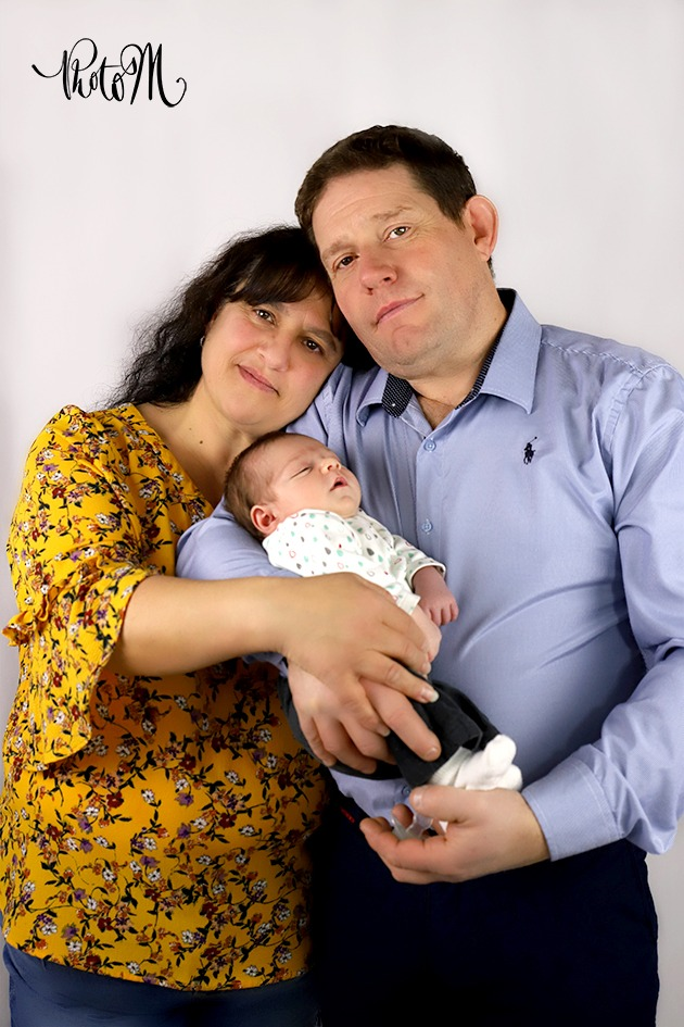 Photographe de Portrait Couple Famille. Département de l'Ain, à St Jean le Vieux proche d'Ambérieu-en-Bugey, Bourg-en-Bresse, Lagnieu, Pont d'Ain.