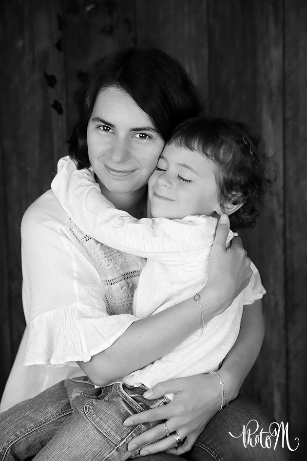 douceur et tendresse entre mère et fille