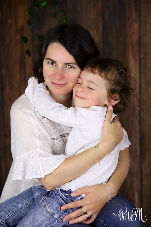 intense émotion entre mère et fille